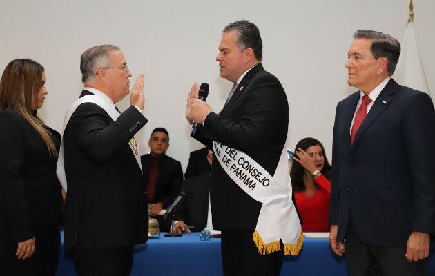 El alcalde, José Luis Fábrega, realizó una contratación directa por 3.8 millones de dólares para el desfile de Navidad.