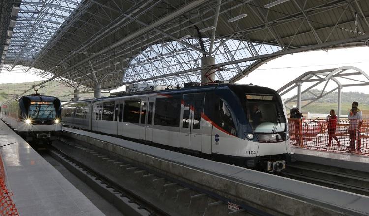 Tres dispositivos de frenado de urgencia se activaron tras caída de adulto mayor en andén del Metro de Panamá.