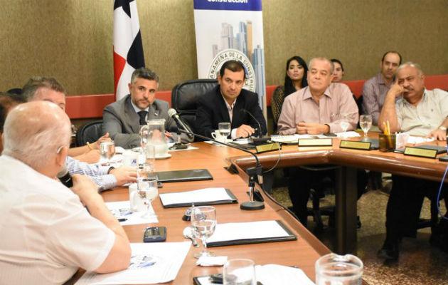 El titular del MOP anunció la creación de un Fondo de Mantenimiento Vial (FOMAVI) con un presupuesto de $150 millones anuales.