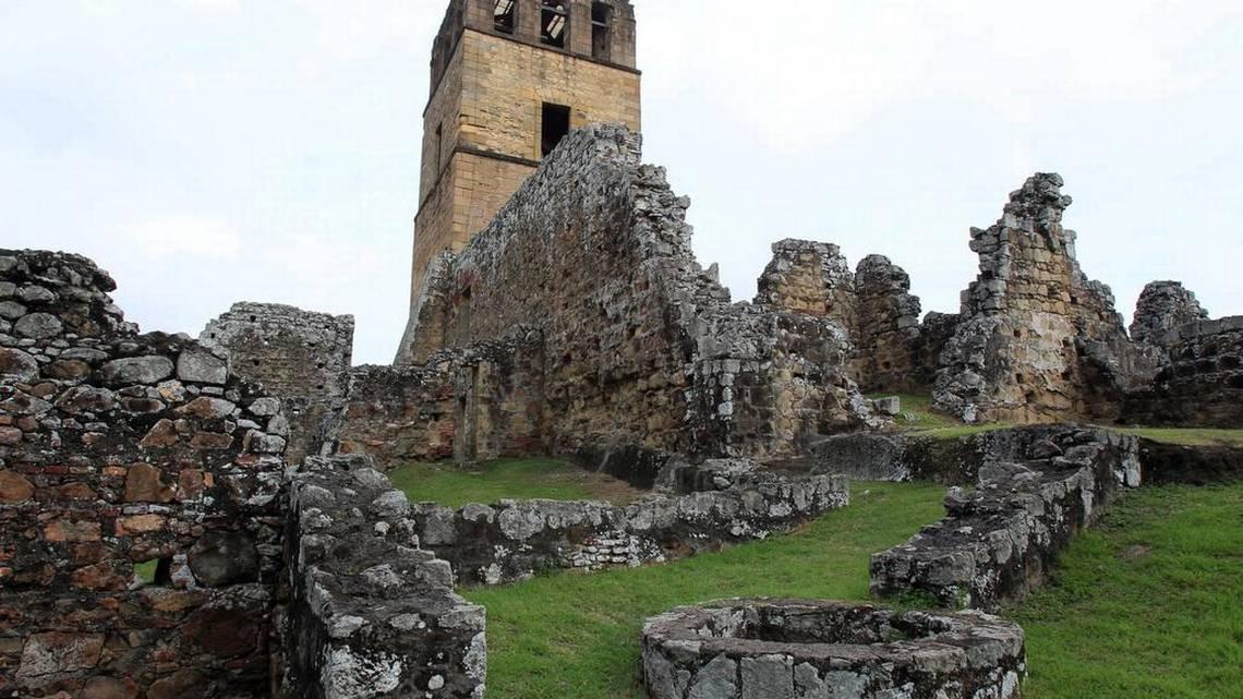Aún 500 años después, las ruinas del conjunto monumental de Panamá Viejo lucen imbatibles, a pesar de que el tiempo les ha afectado. Ricardo Miró en su poema 'Patria' y Ricardo Fábrega en la canción 'Panamá Viejo' las exaltan. Foto: EFE.