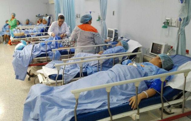 Una mujer da a luz dentro del baño del hospital Rafael Estévez de Aguadulce. Foto: Panamá América.