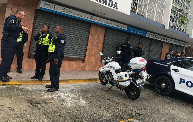 Tres adultos y un menor detenidos por pelea callejera cerca a la Avenida 12 de Octubre. Foto: Policía Nacional.