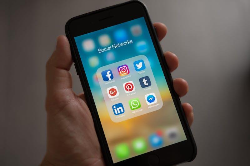 Las expectativas de cómo los negocios se involucran en las redes sociales han crecido también