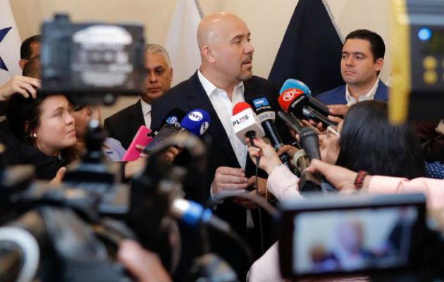 Rolando Mirones también será cuestionado por la recién extensión de la importación de armas. Foto: Panamá América.