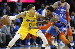 Kyle Kuzma (0) de los Lakers. Foto: AP