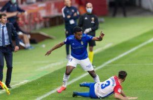 Édgar Yoel Bárcenas en el partido contra Sporting de Gijón en la segunda división de España. @yoelbar23