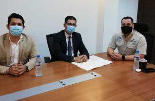 El presidente de la Arenas, Rafael Rodríguez, tuvo una reunión en la Autoridad de Pasaporte. Arenas.