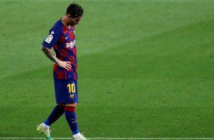 El capitán Leo Messi del Barcelona lamenta la mala temporada de su equipo. Foto:EFE