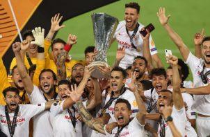 Jugadores de Sevilla, festejan. Foto: EFE