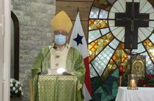 Monseñor José Domingo Ulloa, arzobispo de Panamá.