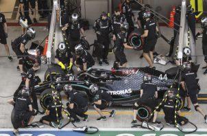 Hamilton, durante la segunda sesión de práctica en Rusia. Foto: EFE