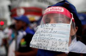 Trabajadores del SUNTRACS seguirán protestando para lograr la reapertura.