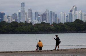Una vez se anunció la apertura de las playas, las personas aprovecharon para recuperar la rutina perdida. EFE