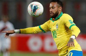 Neymar se encuentra con molestias musculares. Foto:EFE