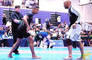 Leonardo González en un torneo de jiu jitsu. Foto:Cortesía