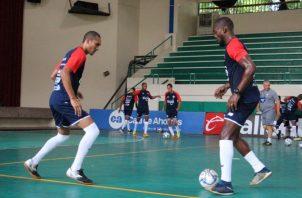 Jugadores de la seleccion panameña de futsal en los entrenamientos. Foto:Fepafut.