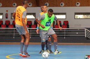 Jugadores de la selección de futsal en los entrenamientos. Foto:Fepafut