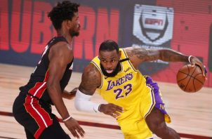 LeBron James de los Lakers (23). Foto: @EFE