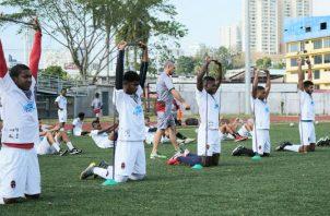 Jugadores del Sporting ayer en los entrenamientos. Foto:@sportingsmfc