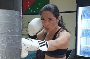 Yaditza 'La Tigrilla' Pérez en los entrenamientos en el gimnasio en David, Chiriquí. Foto:Cortesía
