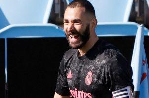Karim Benzema anotó dos goles en el triunfo del Real Madrid. Foto:EFE