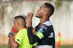 Ismael Díaz festeja su gol ante el San Francisco de La Chorrera. Foto:@TauroFC