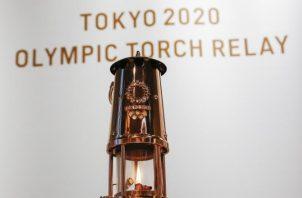 La llama olímpica estuvo en un museo en Tokio. Foto:EFE