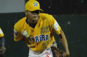Alexis Bernal, lanzador de Herrera. Foto: Fedebeis
