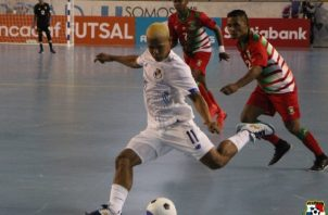 Abdiel Castrellón (11) anotó dos goles para  Panamá. Foto:Fepafut