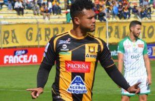 Rolando 'Toro' Blackburn delantero del equipo boliviano. Foto:Twitter