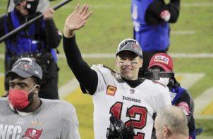 Tom Brady ganó el Super Bowl com Buccaneers. Foto:EFE