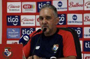 Shubert Pérez, técnico de la selección de fútbol playa. Foto: Fepafut