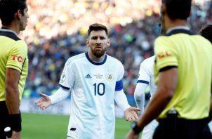 El argentino Messi fue expulsado en juego de Copa América 2019. Foto:EFE