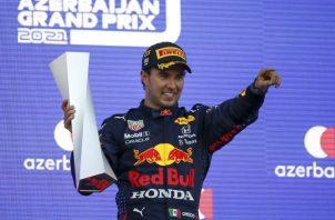 El mexicano Sergio Pérez ganó ayer el Gran Premio de Azerbaiyán. Foto.EFE