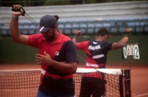 Luis Gómez (izq.) y Jorge Chevez, son parte de los jugadores de Panamá, que entrenan bajo la dirección de Chad Valdés. VICTOR AROSEMENA