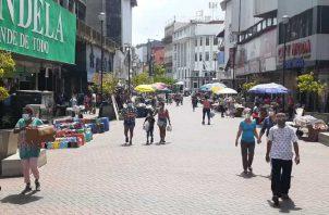 Hasta septiembre, había 777 mil personas en el setor informal de la economía, lo que representa 52% de la población ocupada. Archivo
