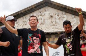 Julio César Chávez y Héctor Camacho, hijo (der.). Foto:EFE