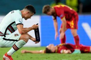 Cristiano Ronaldo lamenta ser eliminado en la Eurocopa. Foto:EFE
