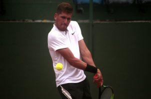 Marcelo Rodríguez, jugará hoy uno de los partido en la modalidad de sencillo de las eliminatorias de la Copa Davis. Víctor Arosemena