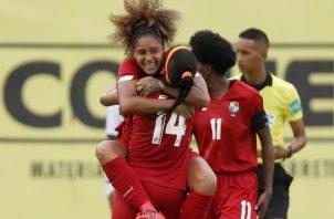 María Guevara festeja su gol ante República Dominicana. Foto:EFE