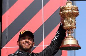 Lewis Hamilton ganó el Gran Premio de Gran Bretaña. Foto:EFE