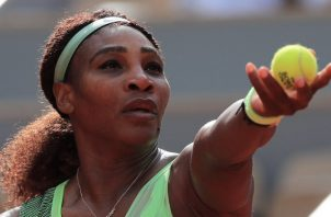 Serena Williams sufrió en desgarre. Foto:EFE