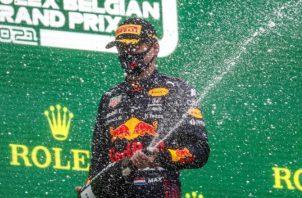 El piloto holandés Max Verstappen (Red Bull), se impuso en el Gran Premio de Bélgica en una carrera poco usual. Foto.EFE