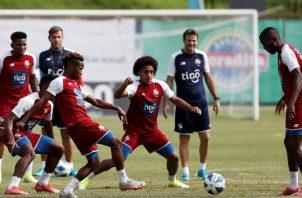 Panamá realizó sus entrenamientos en el campo del estadio Rod Carew. EFE