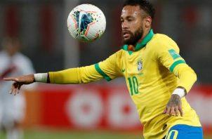 Neymar, capitán de Brasil. Foto:EFE