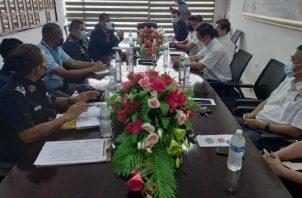 Comerciantes se reúnen con autoridades municipales. José Vásquez