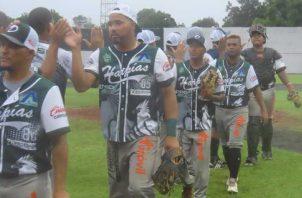 Jugadores Darién festejan el triunfo. Foto:Fedebeis