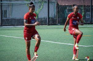 Aldrith Quintero y Lineth Cedeño en lo entrenamientos de la selección. Foto: @Fepafut