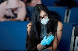 Muchos adolescentes y jóvenes, suelen ser rebeldes y quieren hacer las cosas a su manera. Pero, con el coronavirus no se juega.