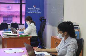 Docentes recibirán capacitación sobre clases virtuales.